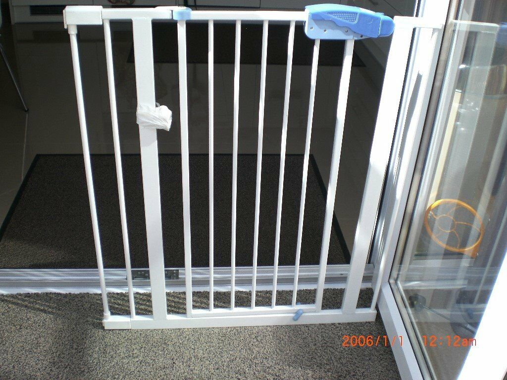 Lindam Stair Gate With Battery Operated Alarm In Andover