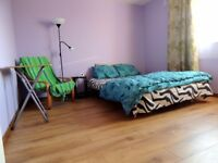 Large bedroom , room to rent , private room, Edinburgh south