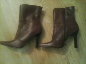 Brand new leather boots size 5