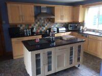 Maple Shaker Kitchen c/w Belling Oven, New World Fridge Freezer & Ariston Dishwasher.