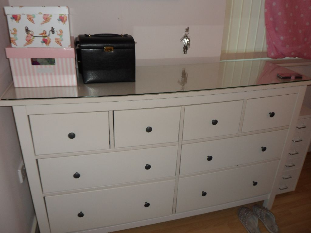 ikea hemnes large chest drawers and glass top great condition in
