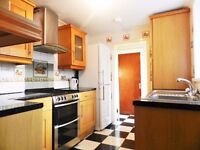 4 BEDROOM STUDENT HOUSE TO LET