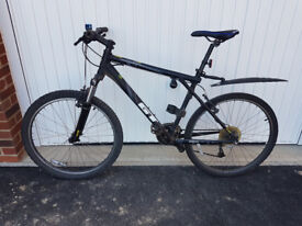 """Mountain Bike - GT Avalanche 1.0 (26"""" wheels, used condition)"""