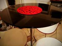 High breakfast table with stools