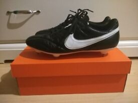 Nike Premier Soft Ground Mens Football Boots Size 10.5