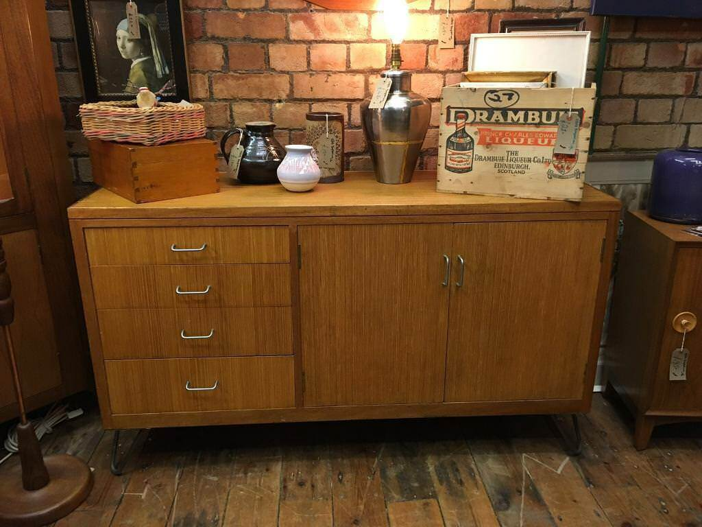 VINTAGE RETRO MID CENTURY EX RAF INDUSTRIAL CHIC BLONDE WOODEN SIDEBOARD WITH HAIRPIN LEGS in