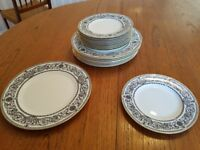 1966 Royal Worcester Padua Dinner Service. Mint Condition. Contemporary pattern.