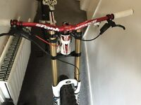 Trek Session 88 DH excellent condition!! Fox 40