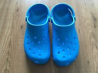 Classic Mens Blue Crocs Size UK 10. Nearly new condition only used once...