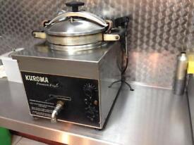 Kuroma Pressure Fryer - KFC style fried chickin machine
