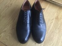 Brand new men's size 10 leather lace up shoes