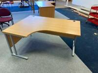 Corner desk left and right available