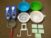 Kitchen ware, sponges, storage containers
