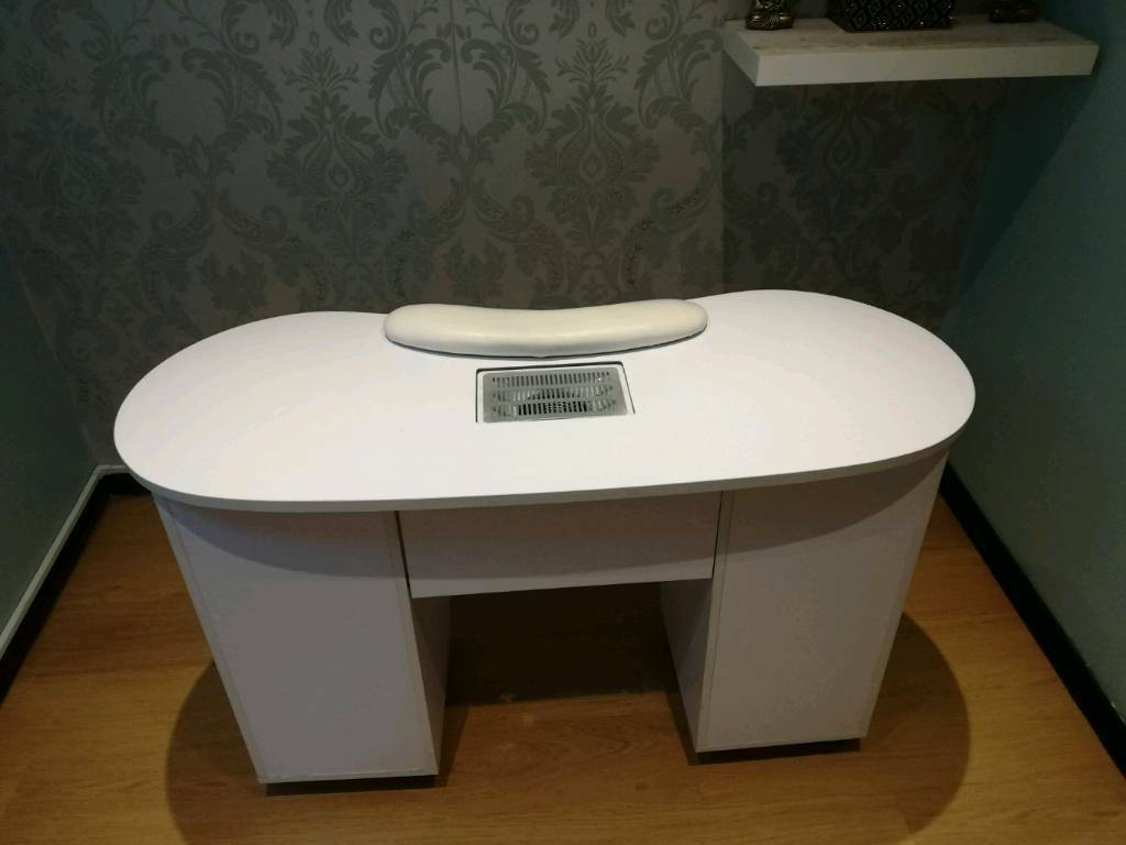 Manicure nail station | in Clydebank, West Dunbartonshire | Gumtree