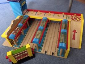 Large wooden station for brio/bigjigs trainset