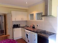 Large Studio flat available in heart of Chigwell.