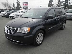 2014 Chrysler Town & Country Touring|Stowngo|Camera|Keyless Entr