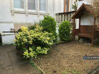 2 bedroom flat in Christchurch Road, Bristol, BS8 (2 bed) (#1098768)