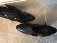 Ralph Lauren boots size 6 leather