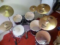 5 Piece Drum Kit + 5 Cymbals (Includes Stool, Foot Pedal and Pair of Sticks)