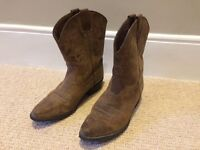 Size 4 cowboy boots for sale - second hand