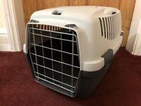 Cat or Small Dog Carrier. Stefanplast Gulliver Pet Transport Box, 48 x 32 x 31 cm, Grey.