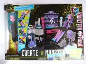 BOXED Complete Create a Monster Colour Me Creepy Set Monster High Doll Bundle