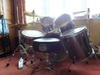 Fabulous Pearl Export Drum Kit - Smokey Chrome. Barely used - £380 (includes drum stool)