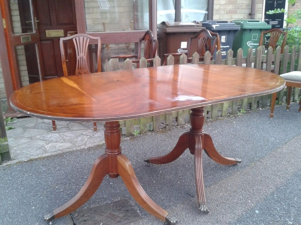 Regency dining table,Yew finish,extendable,length 160-210cm,width 95cm,only £55!!!