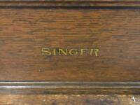 Rare antique vintage SINGER SEWING MACHINE CAST IRON AND WOOD TABLE SDHC