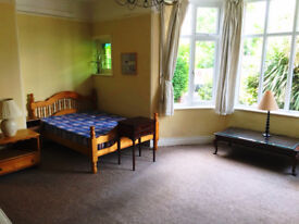 Extra Large Double room in cosy house in Winchmore Hill, (Southgate). All Bills INCLUSIVE