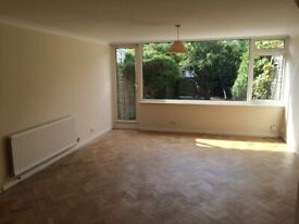 Stunning 3 bed house in Oval - Will go very soon! ACT Fast!