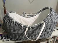 Baby pod wicker crib Moses basket