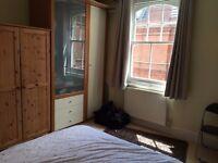 Short let in sunny flat in Fulham / West Kensington