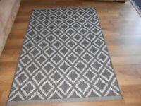 Grey modern design rug Wymondham NR18