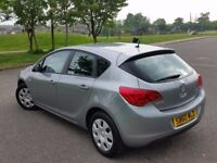 Vauxhall Astra '11 automatic very low mileage 28.000 excellent condition