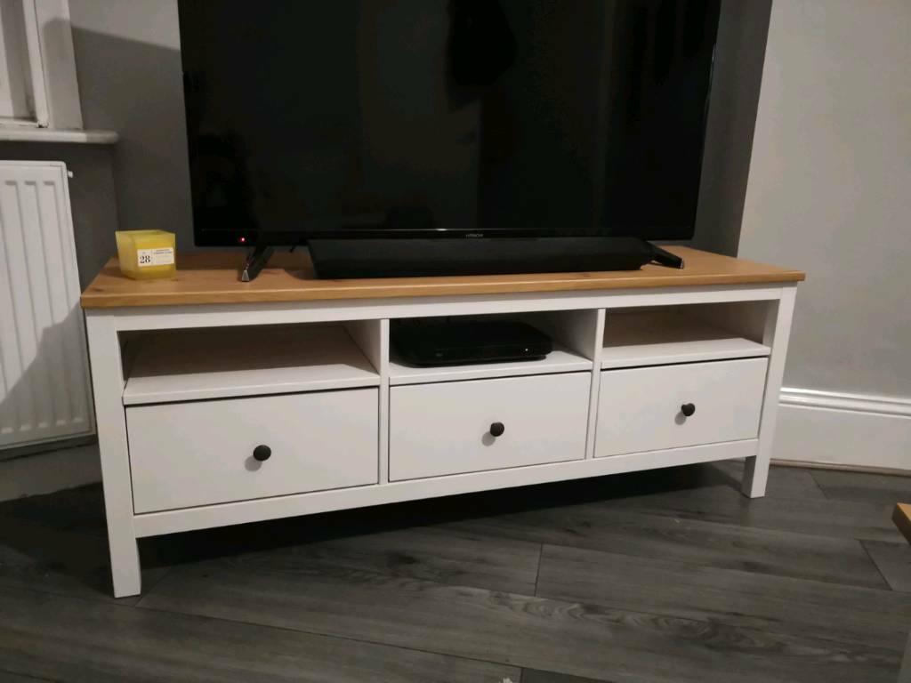 white stain, light brown, TV bench