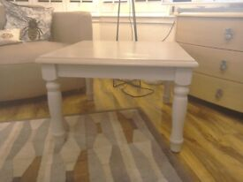 Shabby chic coffee/side table