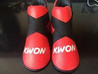 Kwon foot protectors