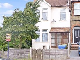 WARDS HILL ROAD, MINSTER ON SEA - 1 bedroom ground floor flat with garden