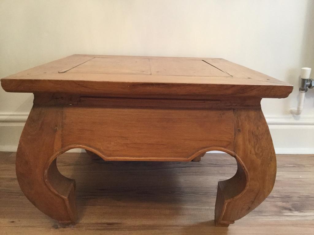 Corner/coffee table
