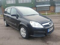 VAUXHALL ZAFIRA PETROL AUTOMATIC IN CLEAN CONDITION. 1 YEAR MOT. REAR PRIVACY CLASS. TAXED & INSURED