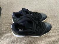 Jordan 11's black size 10