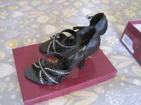 black open top sandal - emilio luca x - size 3