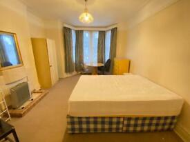 Female House Only. Double room in Acton Vale, West London. 2 Weeks deposit. All bills inclusive