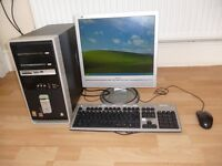 COMPAQ WINDOWS DESKTOP INCLUDES KEYBOARD,SCREEN AND MOUSE