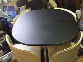 Pizza table and chairs