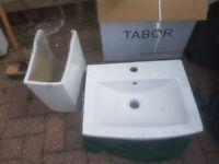 Sink(s), Pedestals x 2 & Tap