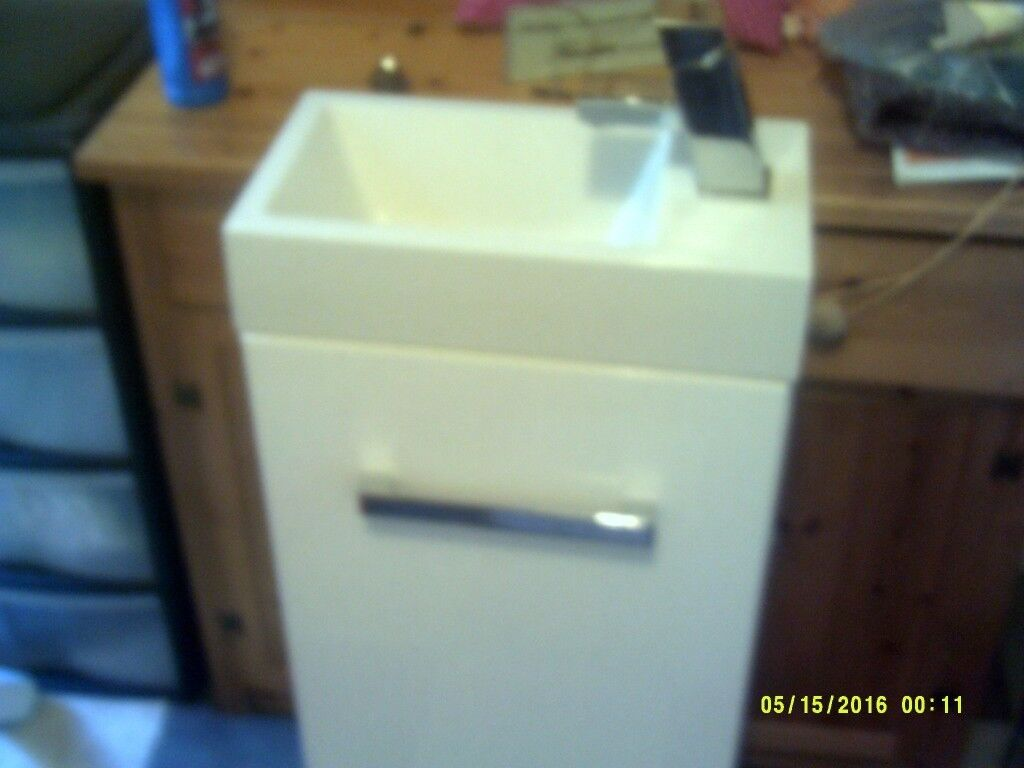 Cloakroom Sink and Cupboard
