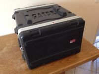 Gator Moulded PE 6U 19.25 inch Rack Case With Wheels And Handle.